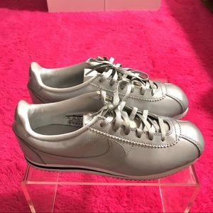 Nike Cortez Metallic Silver
